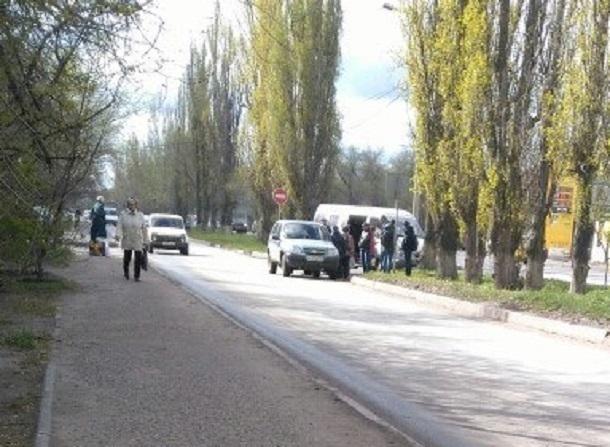 Маршрутка спассажирами влетела вдерево наулице Фадеева вВолгограде