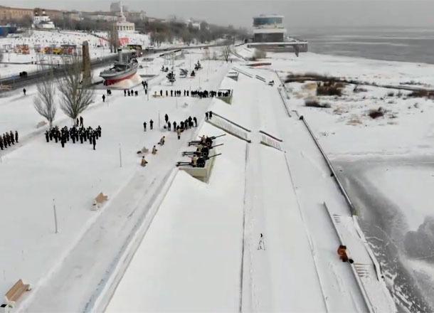 «Выстрел памяти» сняли с высоты птичьего полета в Волгограде