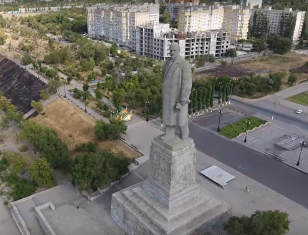 Волгоградский квадрокоптер снял одну из высочайших статуй мира