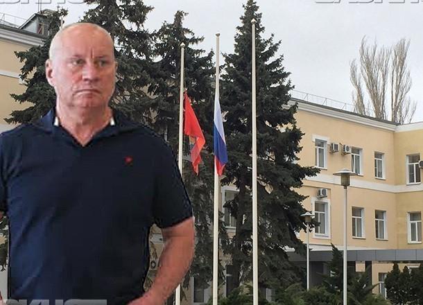 Виталий Лихачев первым в Волгограде сдал документы в комиссию по выборам главы города