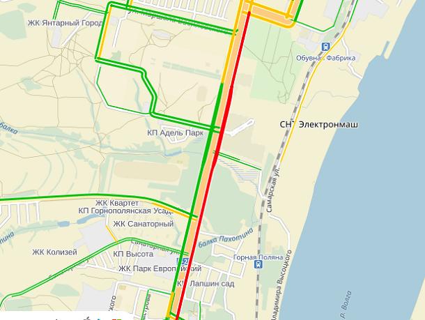 ДТП в Кировском районе Волгограда собрало многокилометровую пробку