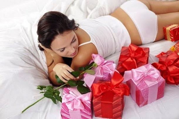 Волгоградские мужчины готовы потратить на подарок любимым женщинам к 8 марта до 3 тысяч рублей