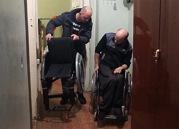 Чиновники Волгограда трижды выделяли инвалиду коляски, на которых он не мог попасть домой