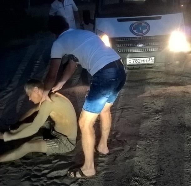 Волгоградца выкинули ночью из машины собственные друзья