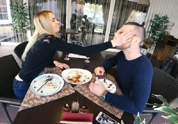 Пара отменила свадьбу из-за куска мяса