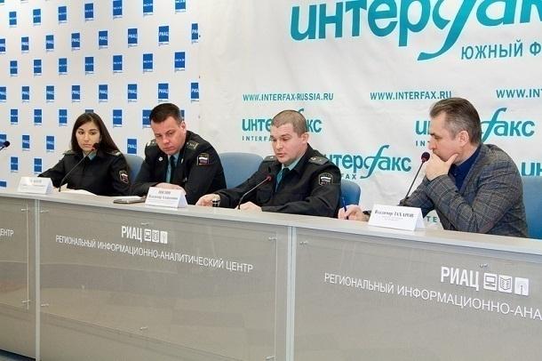 Волгоградские должники оплатили 517 млн. руб., чтобы отправиться заграницу