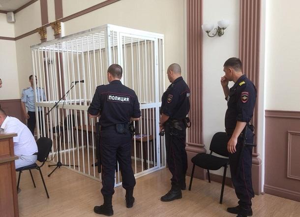 Насиловавшего 6 лет падчерицу жителя Волгоградской области отправили в колонию