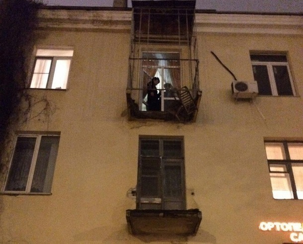 Вцентре Волгограда обрушился балкон многоквартирного дома