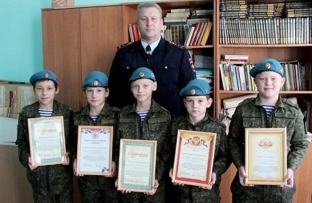 В Волжском 11-летние кадеты бросились на 37-летнего преступника