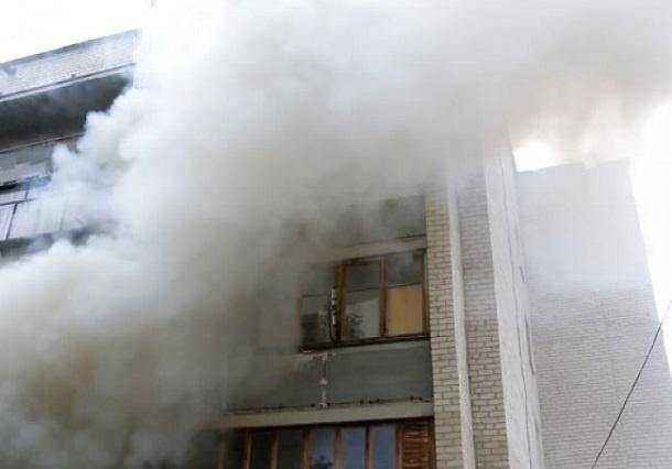 Пожар вспыхнул в многоэтажке на юге Волгограда