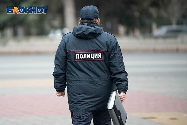 Дерзкого водителя, сбившего на остановке женщину в Волжском, разыскивает полиция