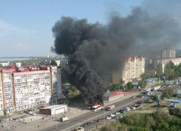 Появилась петиция с просьбой убрать с дорог «Питеравто» после загоревшегося автобуса №55 в Волгограде