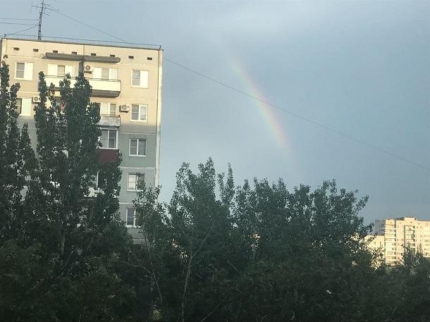 Волгоградцам после дождя явилась двойная радуга, акамышанам досталась только духота