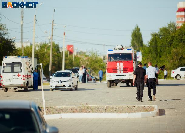 Пять торговых центров «заминировали» в Волжском