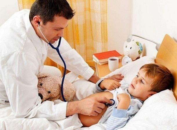 Волгоградские больницы начали заполнять взрослые и малыши с бокавирусом
