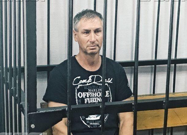 Обвиняемого в гибели 11 волгоградцев на катамаране Леонида Жданова заключили в браслеты «надзиратели»