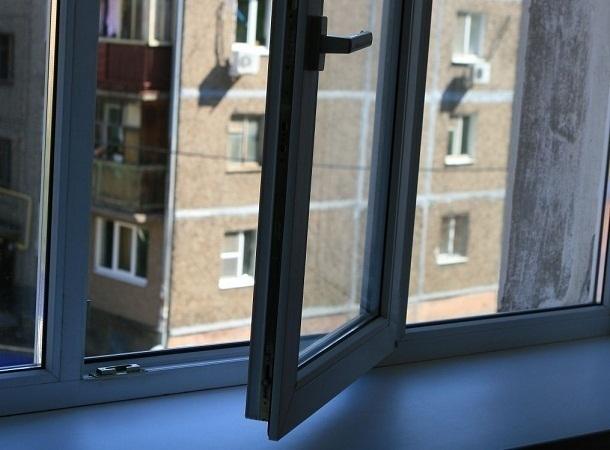 В Волгограде семилетняя девочка выжила при падении с 8-го этажа