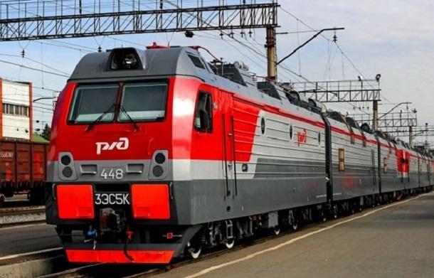 Водитель иномарки врезался в поезд Анапа-Ульяновск под Волгоградом