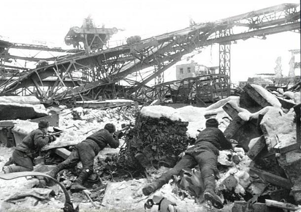 11 января 1943 года – советские войска пытаются закрепить полученный накануне в ходе боев под Сталинградом успех