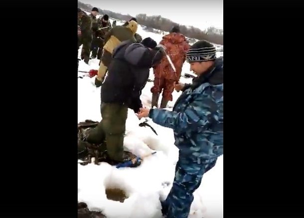 Волгоградцы сняли на видео дикую рыбалку браконьеров