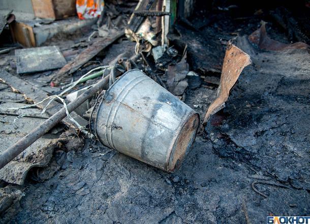 На юге Волгограда горел магазин стройматериалов
