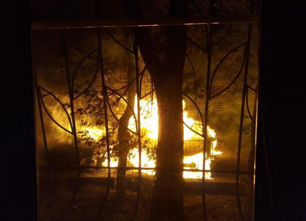 Сгорела только что купленная машина в Волгограде