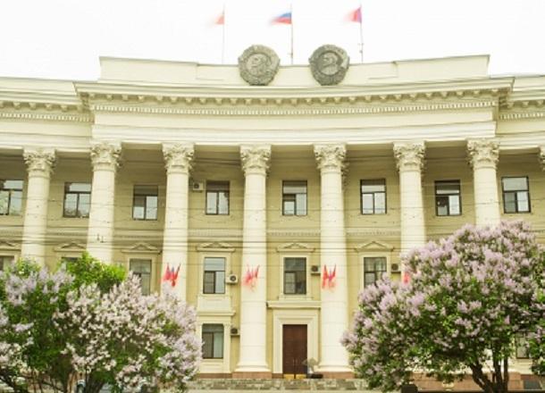 Стало известно, кто из волгоградских депутатов потеряет мандат