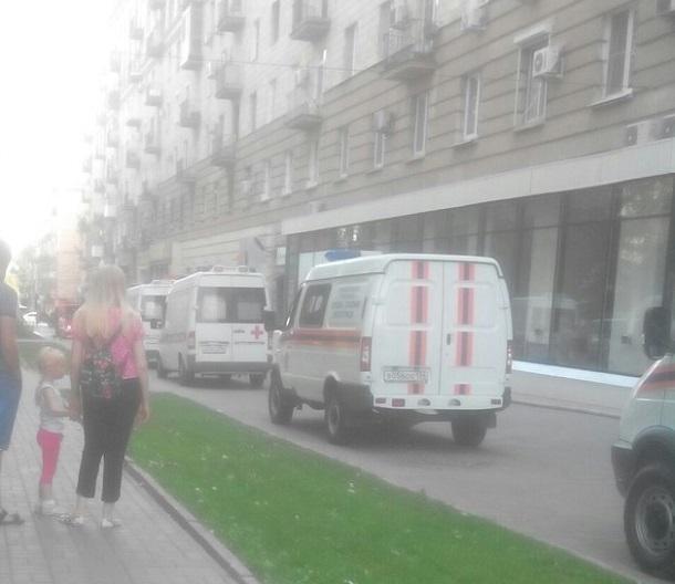 Пожар вспыхнул на Аллее Героев в центре Волгограда