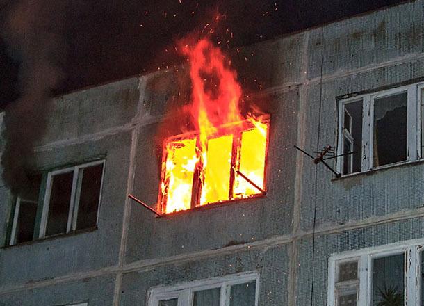 Гражданин Волжского сгорел вквартире пятиэтажки