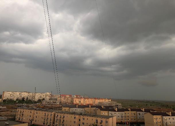 Грядет «апокалипсис»: в Волгограде ожидаются ливни и град
