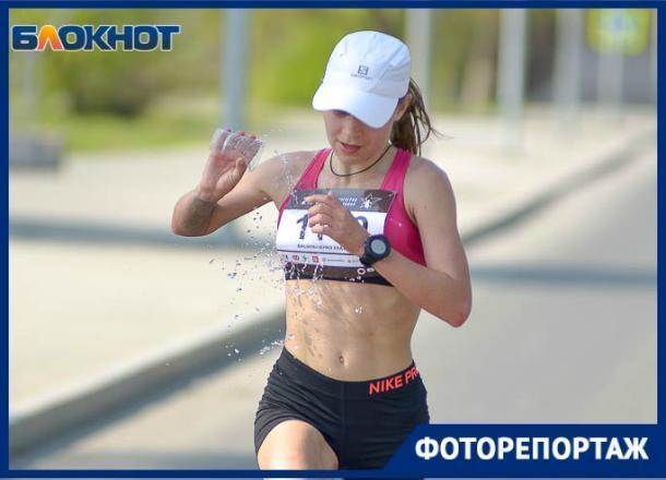 Волгоградский марафон собрал тысячи участников со всей страны