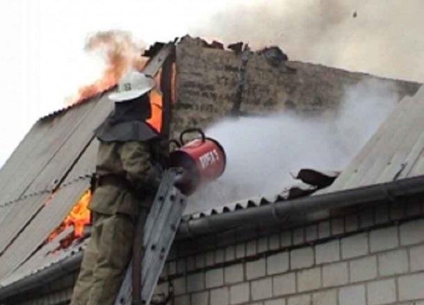 Двое волжан заживо сгорели в частном доме
