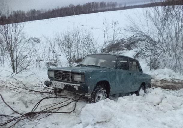 35-летняя волгоградка погибла вавтомобильной трагедии вЕланском районе