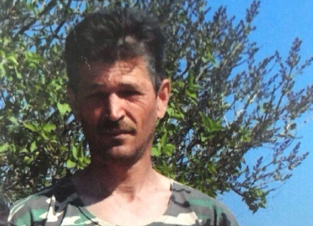Мужчина в зеленых сапогах по колено бесследно исчез под Волгоградом