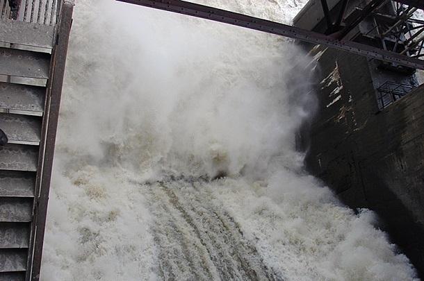 Росводресурсы установили режимы работы Волжской ГЭС напериод особого весеннего попуска