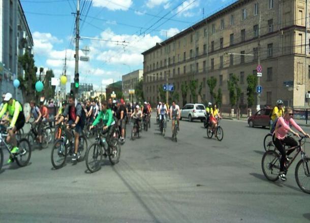 Велопарад в Волгограде собрал почти тысячу человек