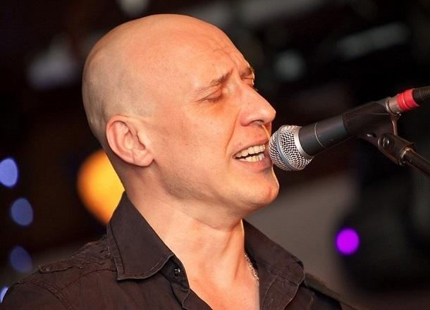 Денис Майданов бесплатно споет у подножия Мамаева кургана