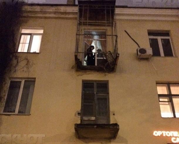 После обрушения балкона с двумя волгоградцами жилинспекция обследует дом на Мира, 13