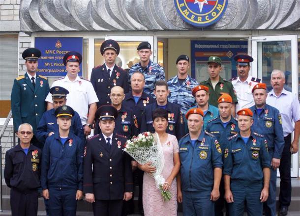 В Волгограде ОМОНовцев наградили за отвагу на пожаре