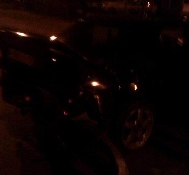 В Волгограде виновник ночного ДТП скрылся с места происшествия без бампера и номеров