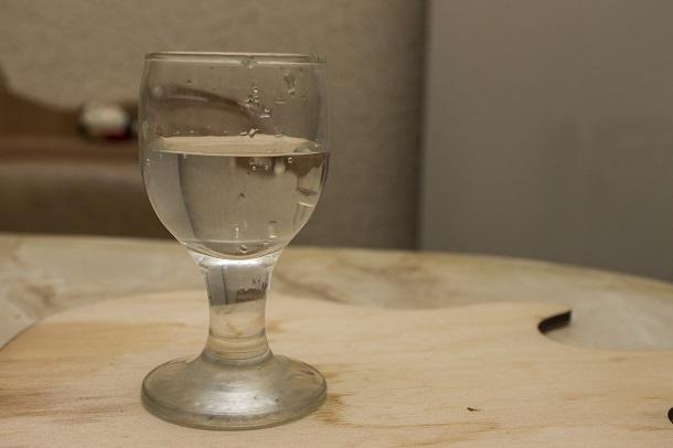 Женщина перепутала воду с уксусом и попала в реанимацию под Волгоградом