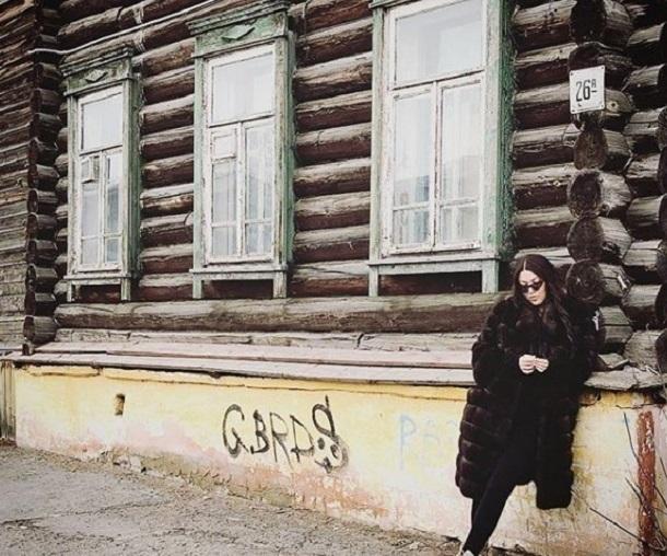 Выходные волгоградка Ирина Дубцова проводит в деревне и с семечками