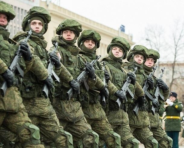 200 волгоградцев записались в армию под впечатлением парада и авиашоу