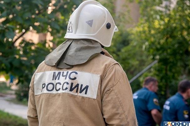 10 человек экстренно эвакуировали из горящей 5-этажки на юге Волгограда