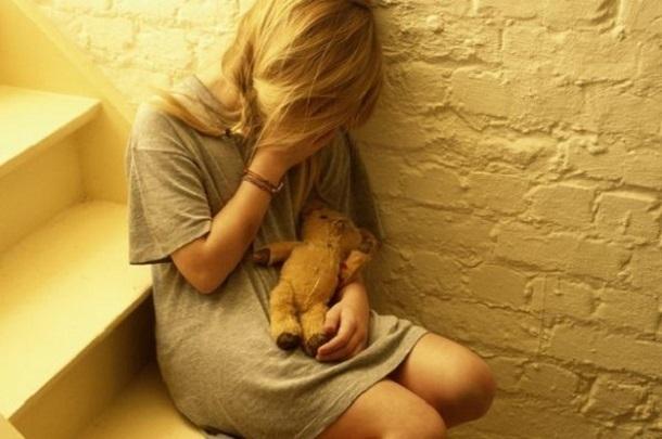33-летний житель Волгоградской области сделал из своей 9-летней падчерицы сексуальную рабыню