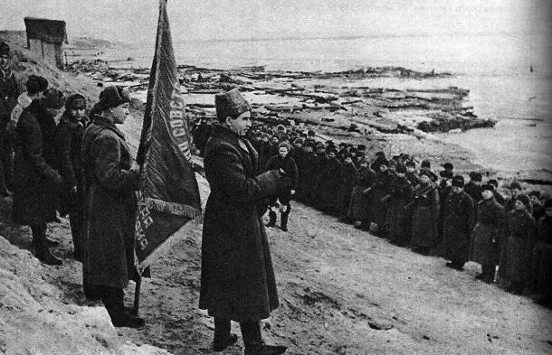29 января 1943 года - в Сталинграде немецкое командование вынуждено рассматривать вопрос капитуляции