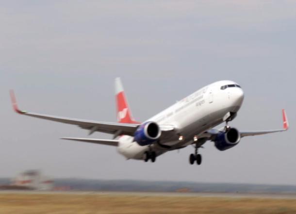 Самолет недолетел вНальчик из-за курящего пассажира
