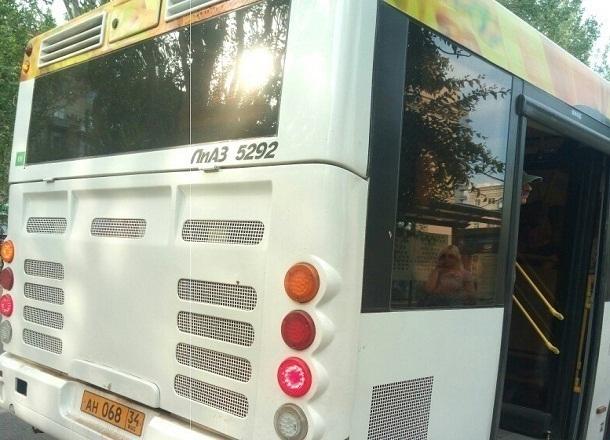 Волгоградцы жалуются на работающие в 30-градусную жару печки в автобусах «Питеравто»