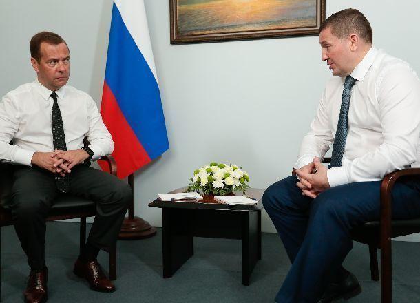 Медведев обсудил сволгоградским губернатором темпы подготовки кЧМ