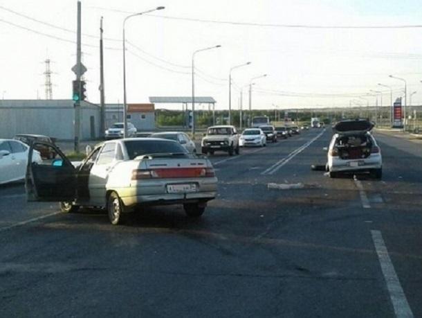 22-летний волгоградец на «десятке» протаранил Toyota Vitz: пострадал 6-летний ребенок